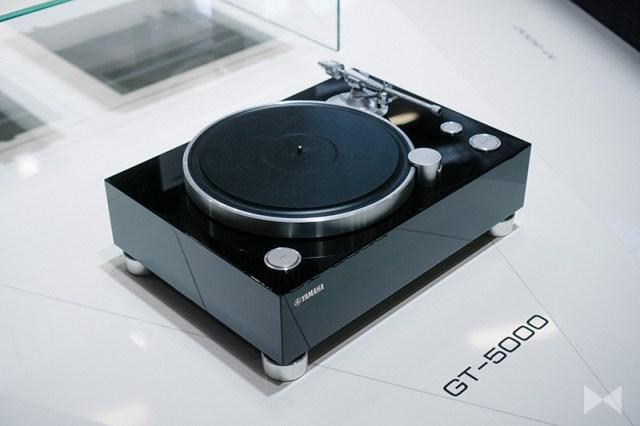 Yamaha GT- 5000 Plattenspieler mit XLR-Anschlüssen