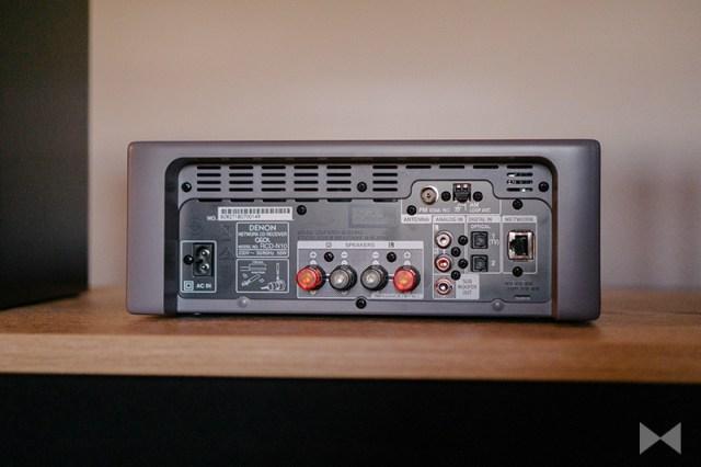Denon CEOL-N10 Anschlüsse auf der Rückseite der Stereo-Kompaktanlage