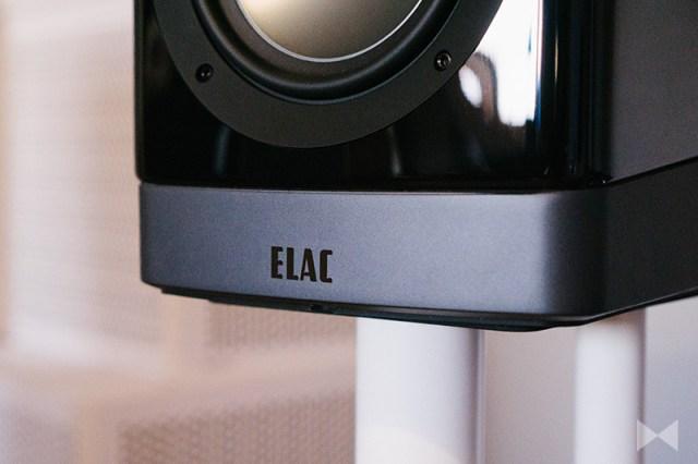 Elac Navis B51 Logo auf der Bodenplatte