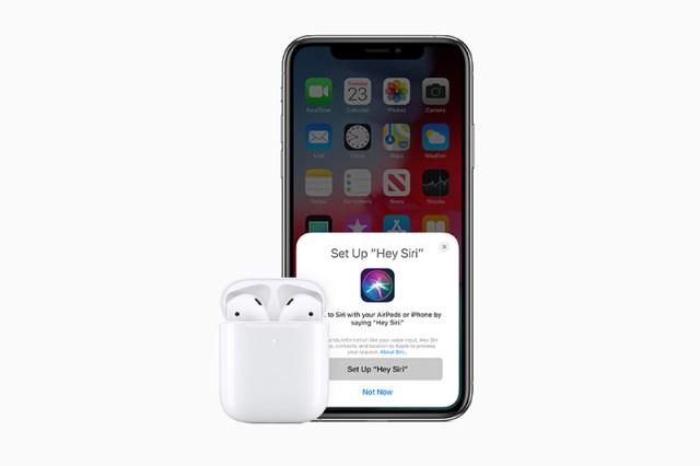 Apple AirPods 2 Hey Siri
