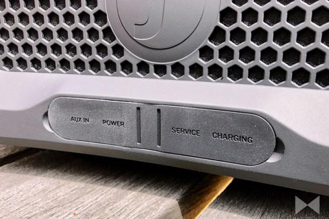 Teufel Rockster Cross mit Aux und USB als Powerbank