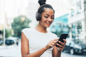 Panasonic HD610N und HD305B: Bluetooth-Kopfhörer