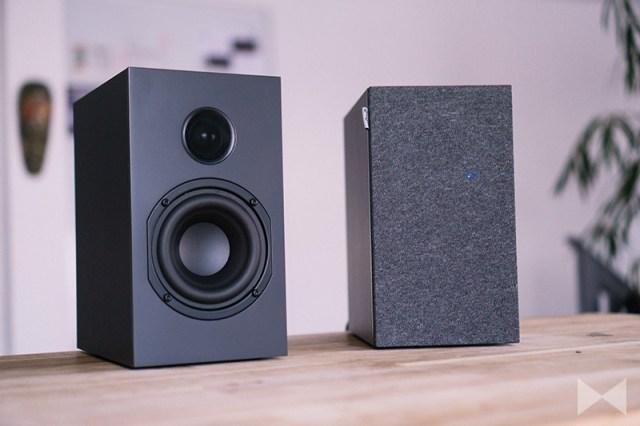 Nubert nuBox A-125 magnetische Frontabdeckung auf Lautsprecher
