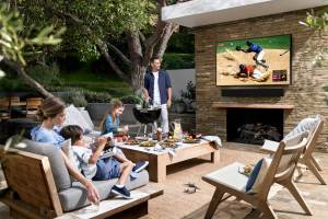 Samsung The Terrace Soundbar und TV für Outdoor-Entertainment