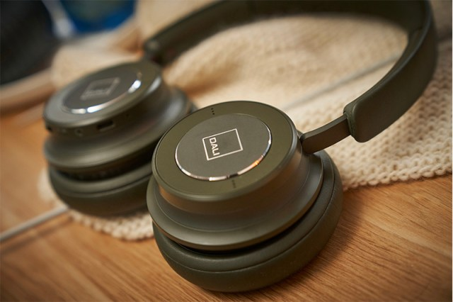 Dali IO-6 Noise-Cancelling-Headphone in Army Green