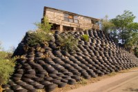 Unconventional-Retaining Wall Ideas  Home Decorating ...