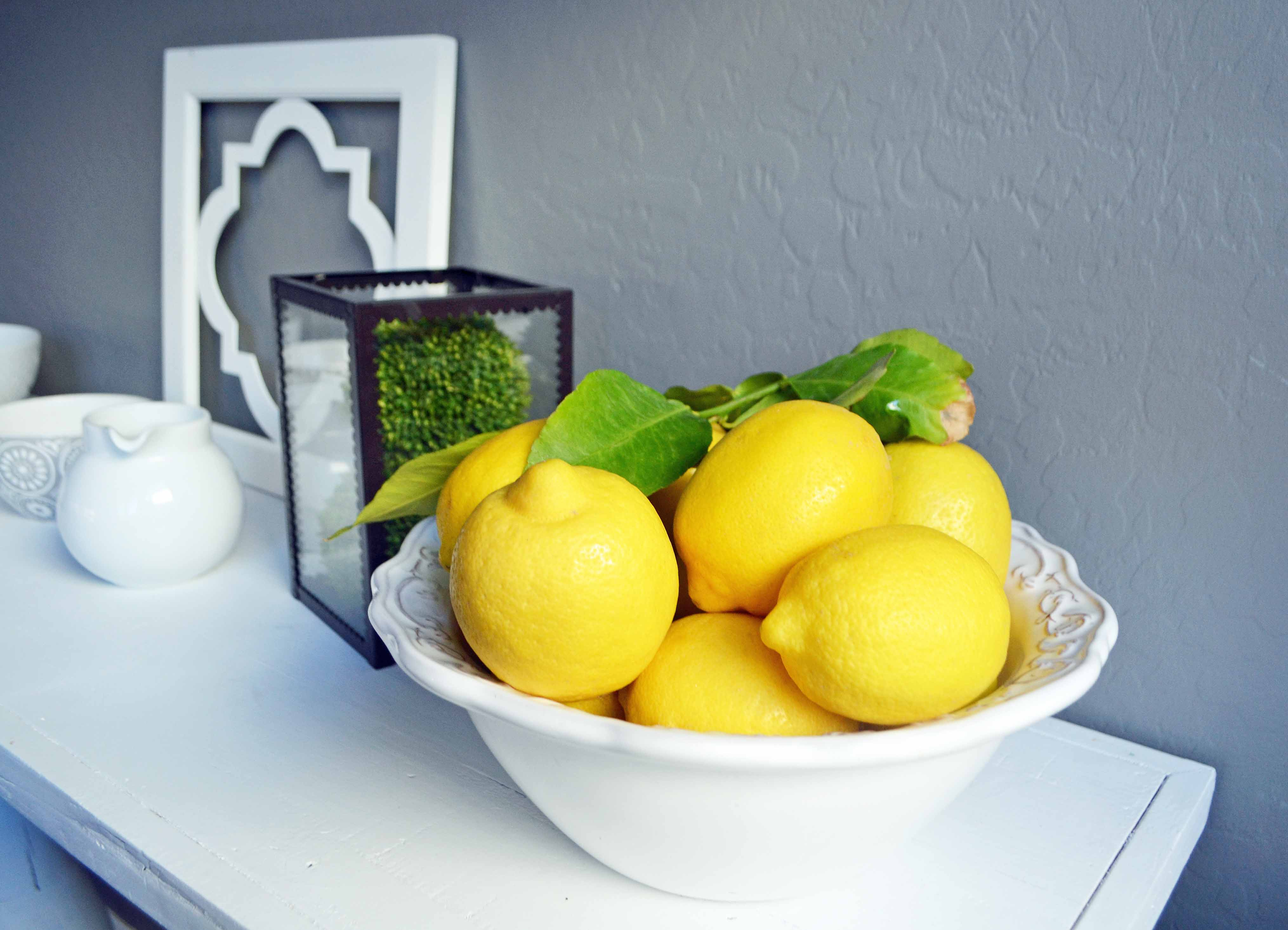 Hand picked Arizona lemons used to make Greek Yogurt Lemon Bread. www.modernhoney.com