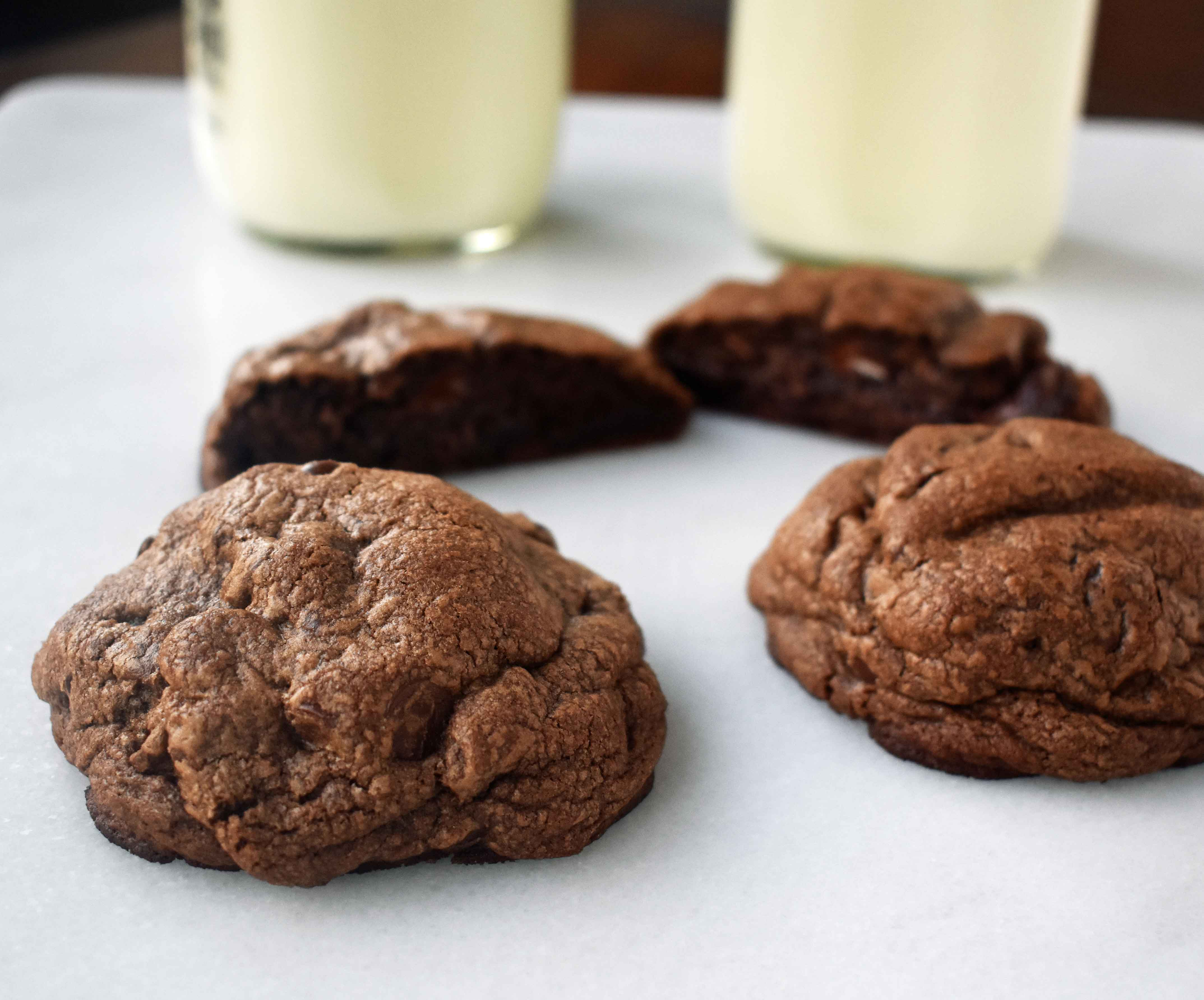 Levain Bakery Dark Chocolate Chocolate Chip Copycat Cookies ...
