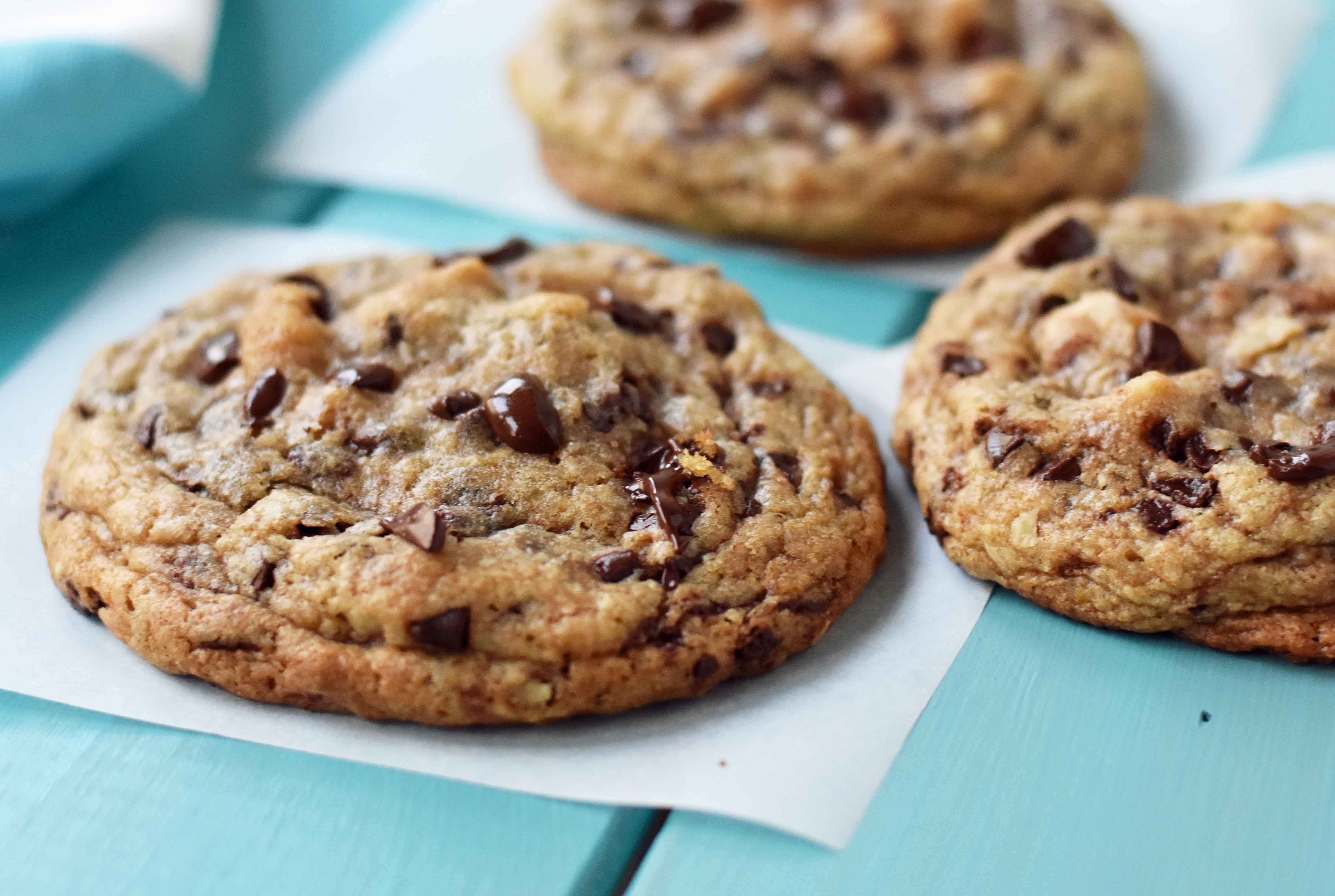 Copycat Doubletree Hotel Chocolate Chip Cookies. The perfect chocolate chip cookie with two secret ingredients. Famous Doubletree Hotel copycat cookie recipe. www.modernhoney.com