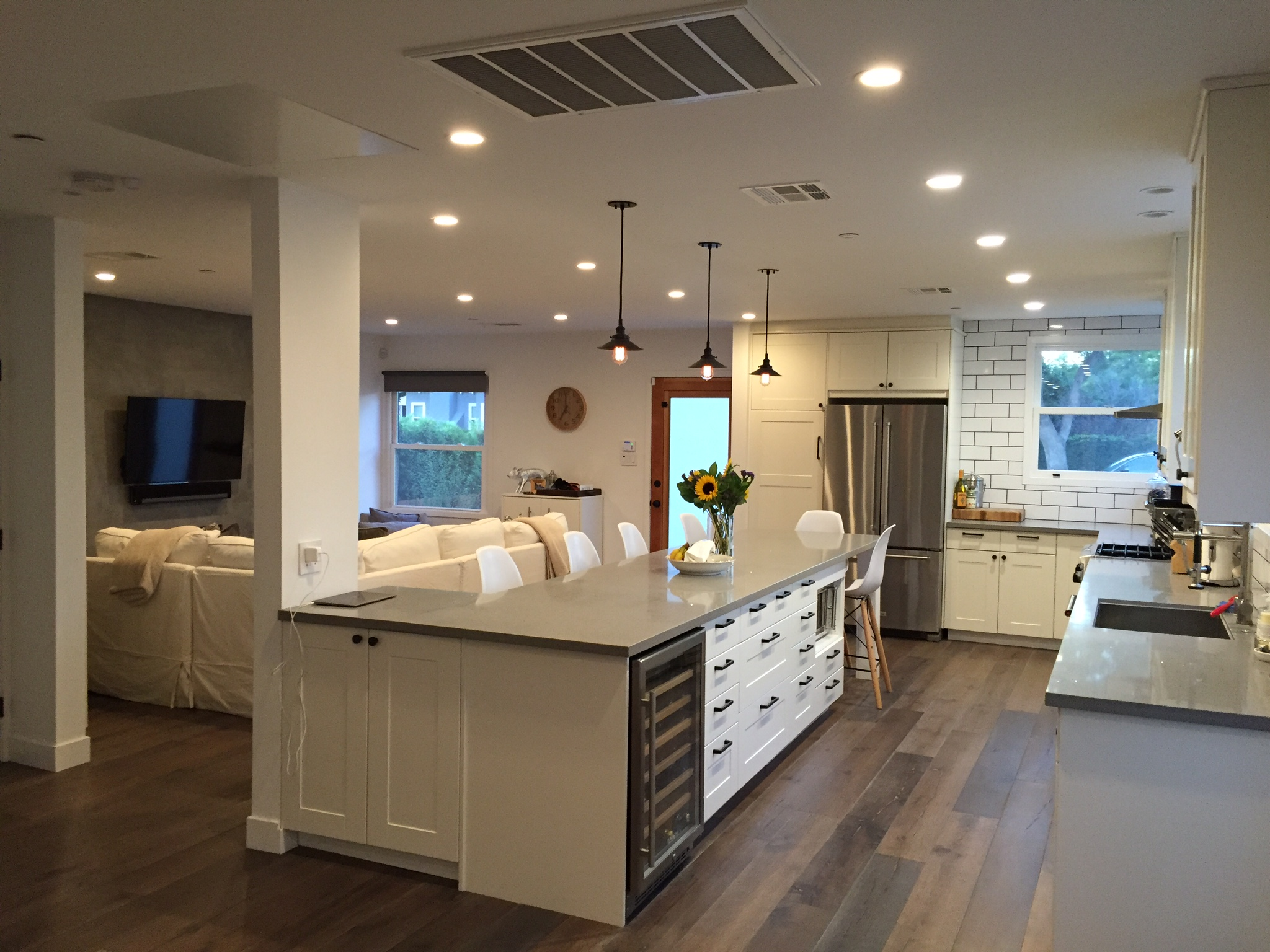 5 Kitchen Remodeling Costs Every Homeowner Needs To Know...   Modern Kitchen  Pros