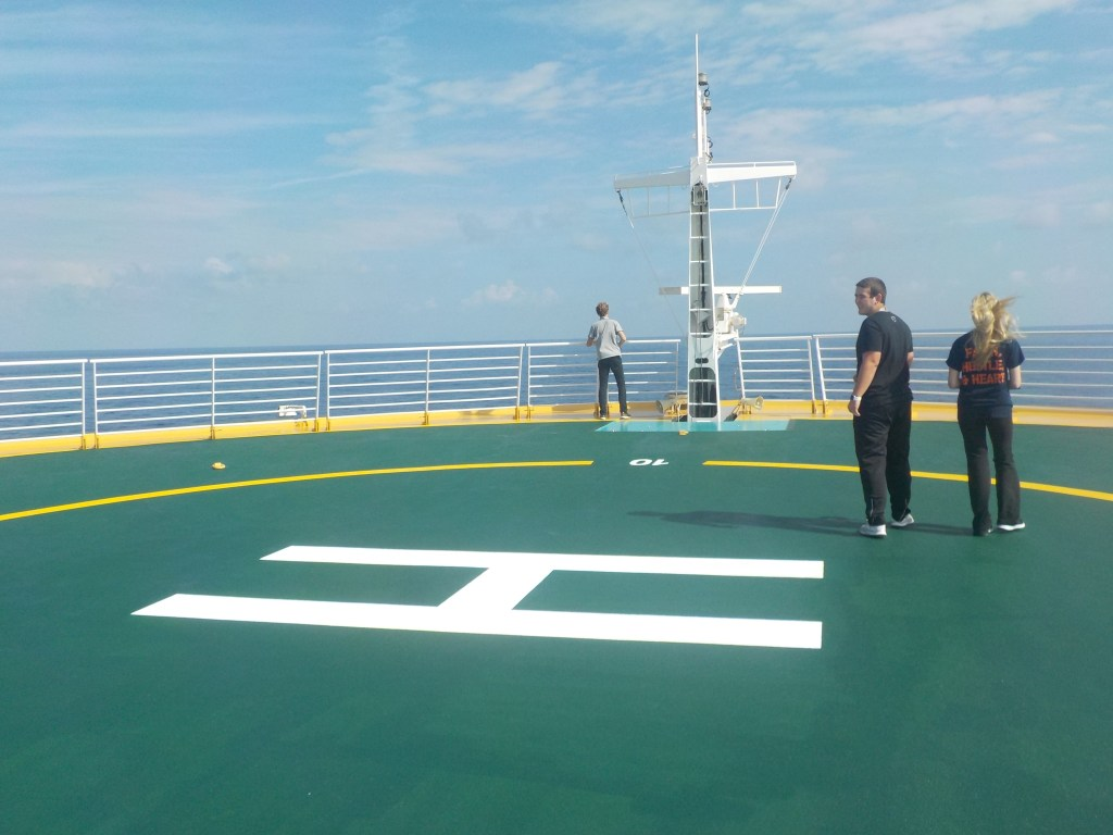 All Access Tour Allure Of The Seas Modern Life Is Good