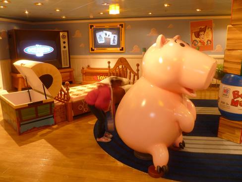 Disney's Oceaneer Club: Andy's Room