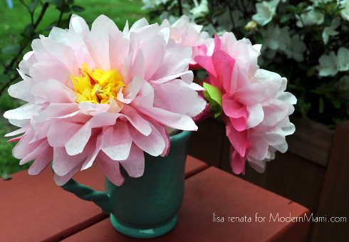 Free mothers day printables and activities for kids modernmami diy tissue paper flowers craft mightylinksfo