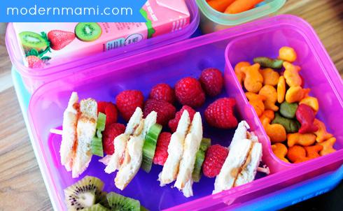 School Lunch Idea: PB & J Fruit Kabobs