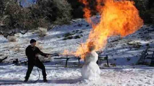 16 Pictures of Dead, Dying, Or Mutilated Snowmen - Modern Man