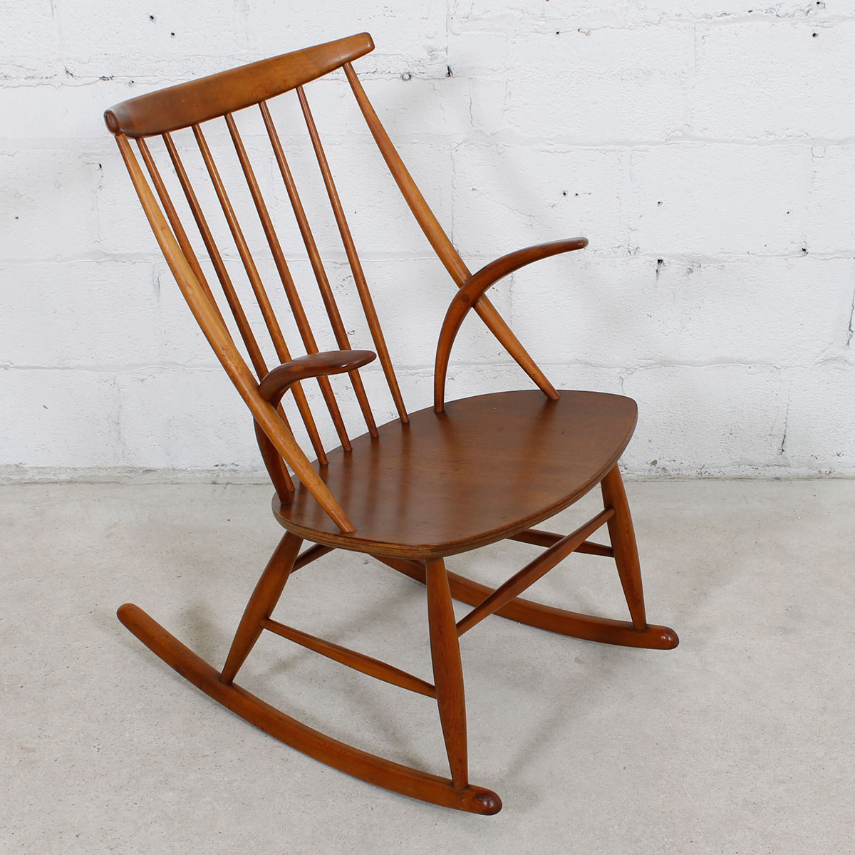 danish modern rocking chair herman miller aeron task review mobler