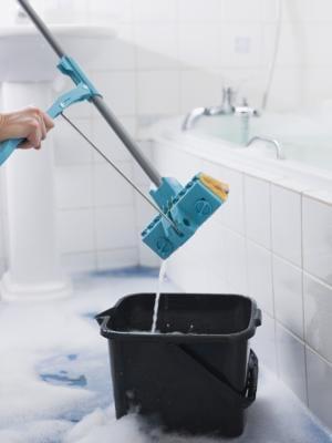 how to clean a porcelain tile floor
