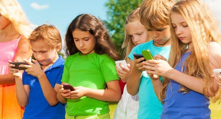 Kids and Smartphones: What Age Is The Right Age?
