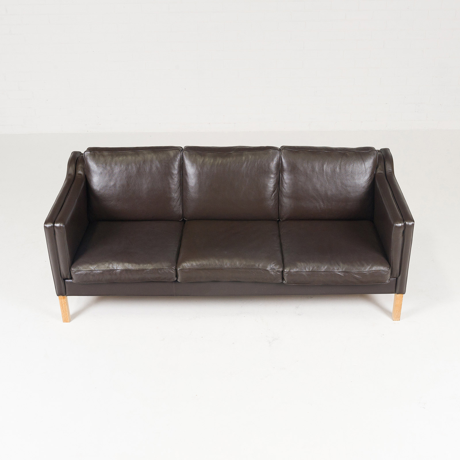 brown leather sofa on legs saddlemen road goldwing 3 seat in mocha and oak 1960s