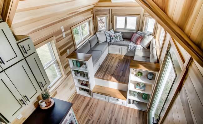 Modern Tiny Living Mtl Home