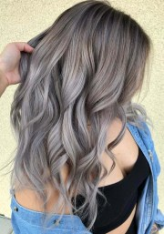 trending ash blonde hair color