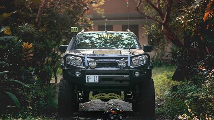 Modified Isuzu D-Max V-Cross [6-inch lifted] | Abin Babs | Grid7