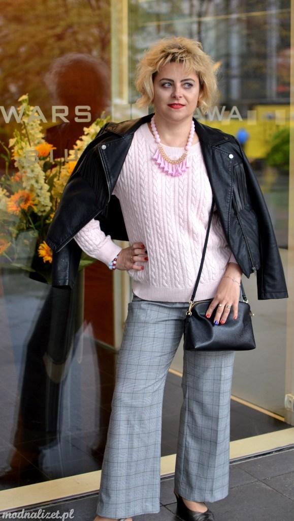 Modna swetrowa bluzka