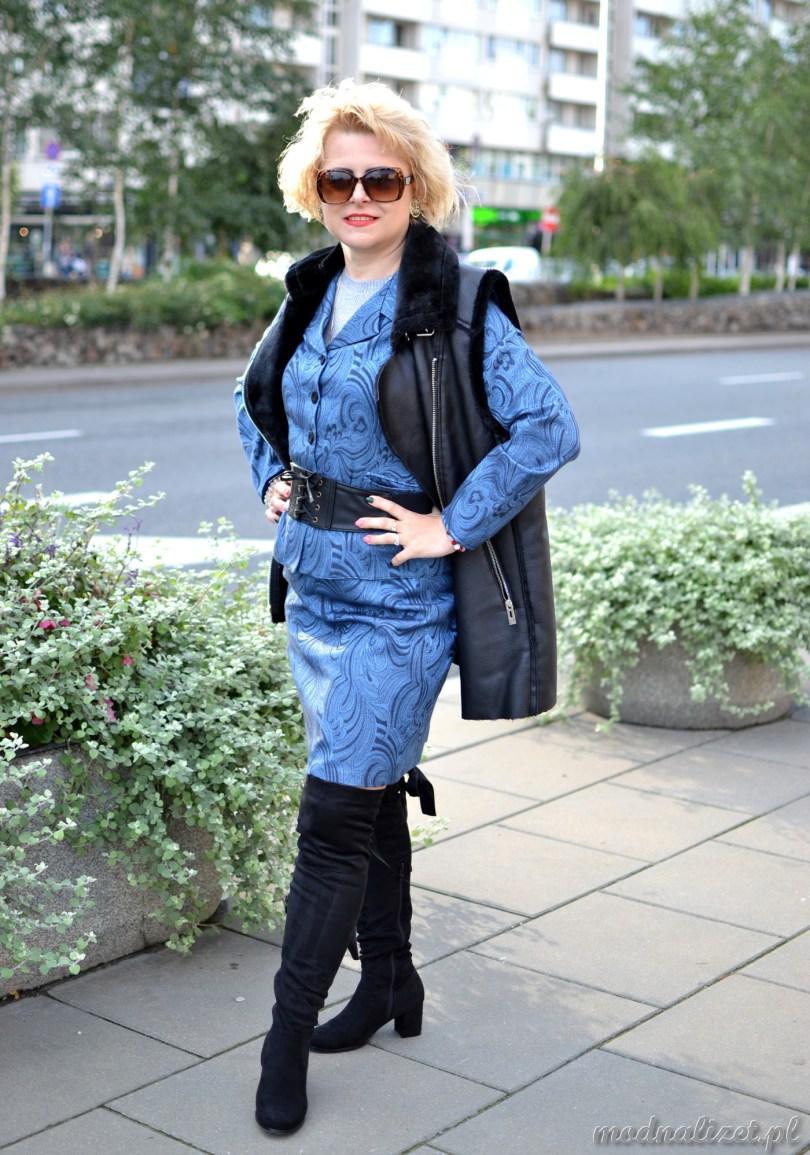 Żakiet i spódnica niebieska
