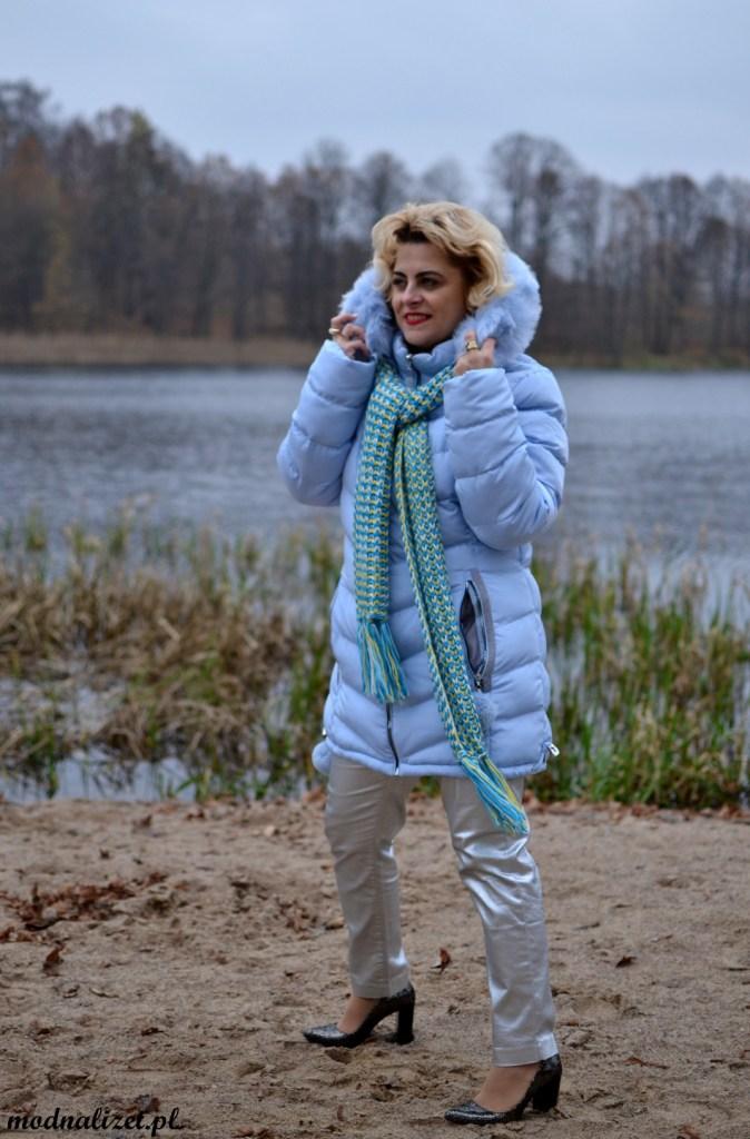 Zimowa kurtka w błękicie
