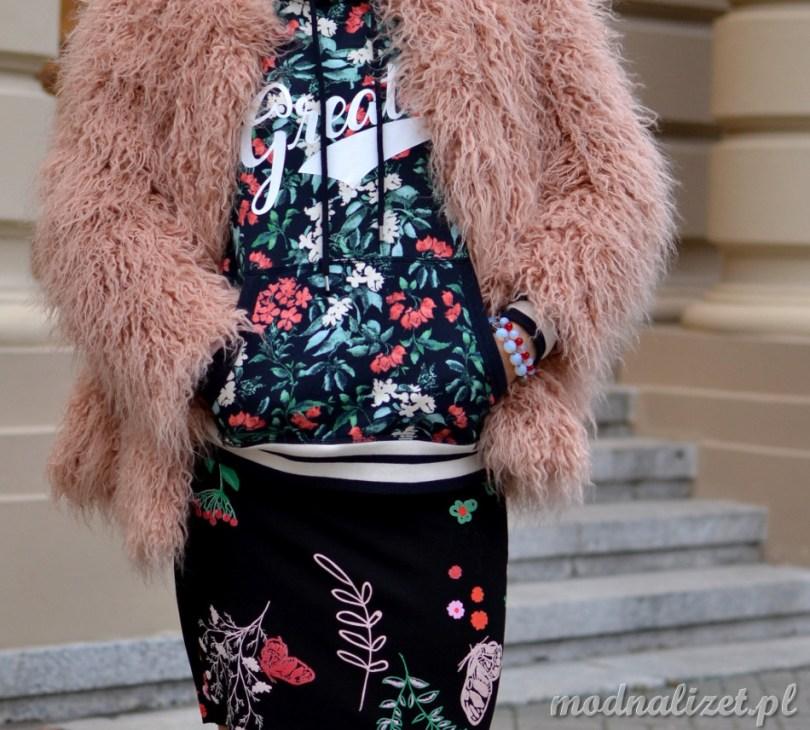 Bluza i spódniczka w kolorowe kwiatki