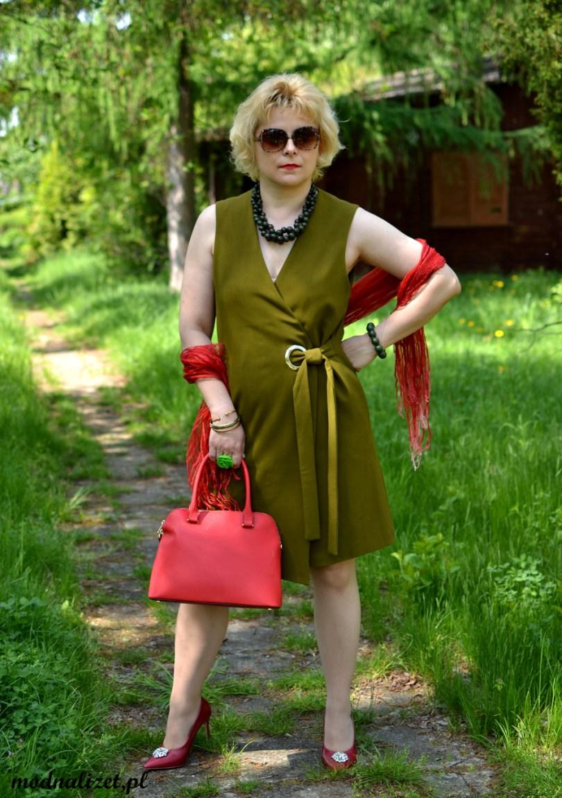 Modna oliwkowa sukienka