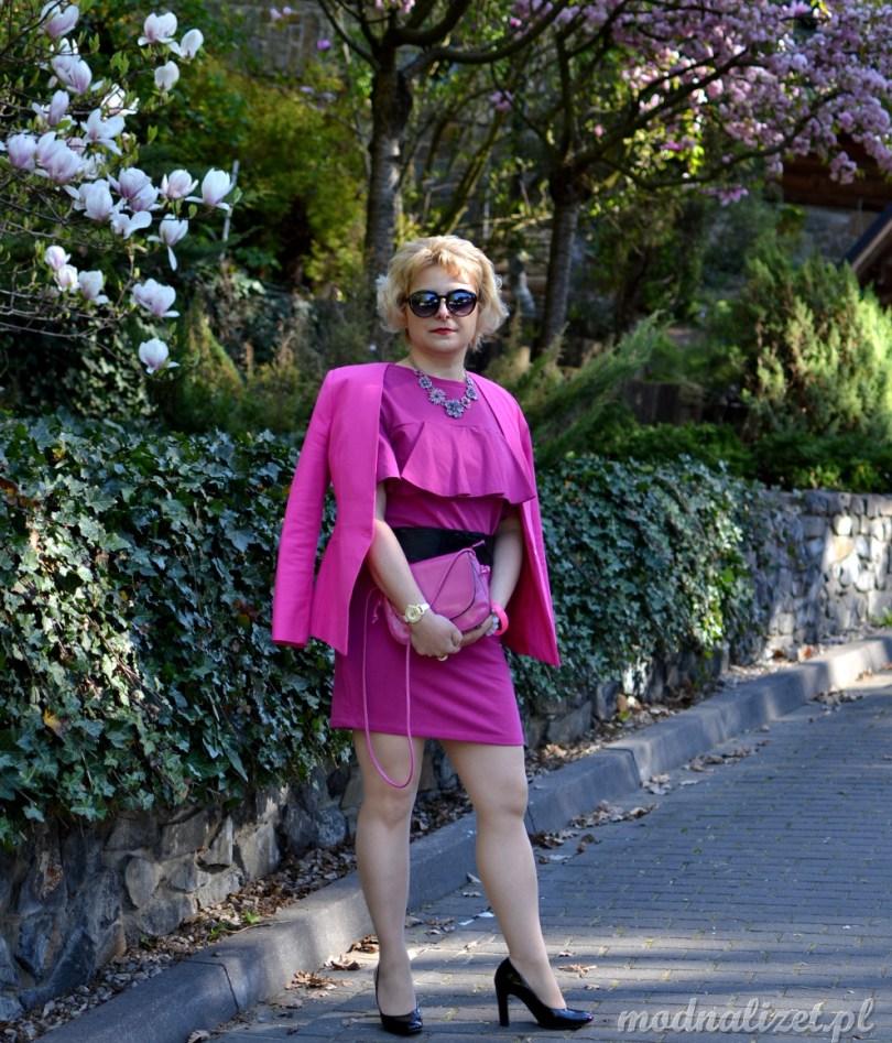 Purpurowa sukienka