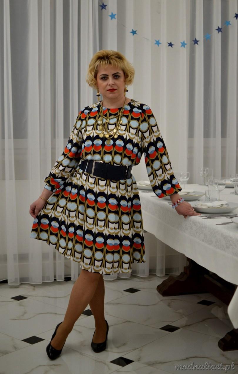 Modna sukienka kolorowa