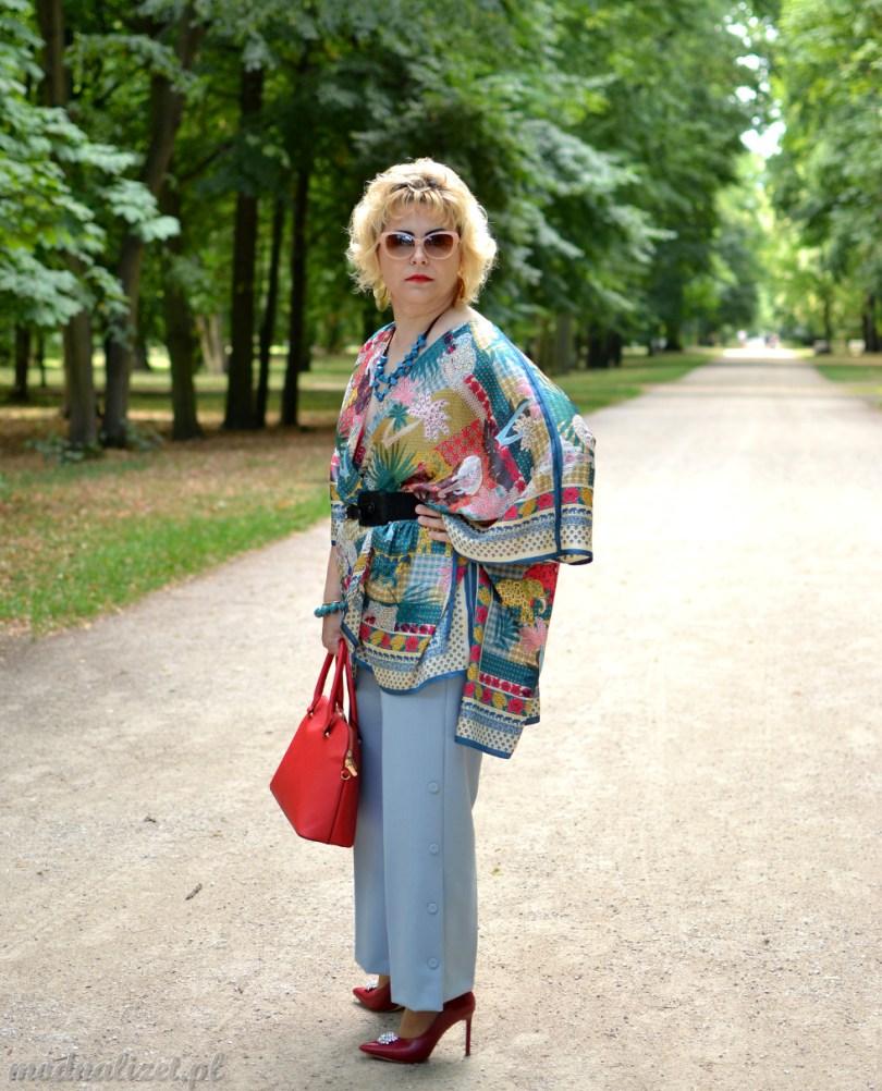 Modna kolorowa bluzka