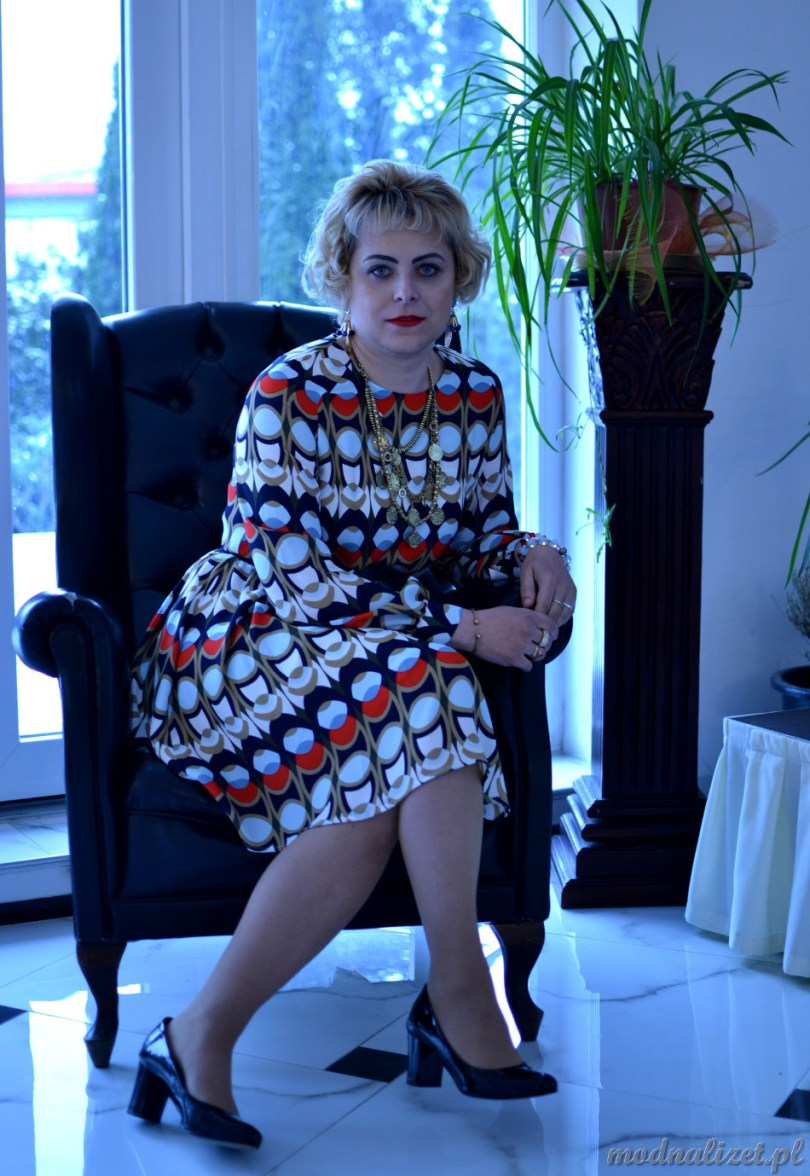 Wielobarwna sukienka