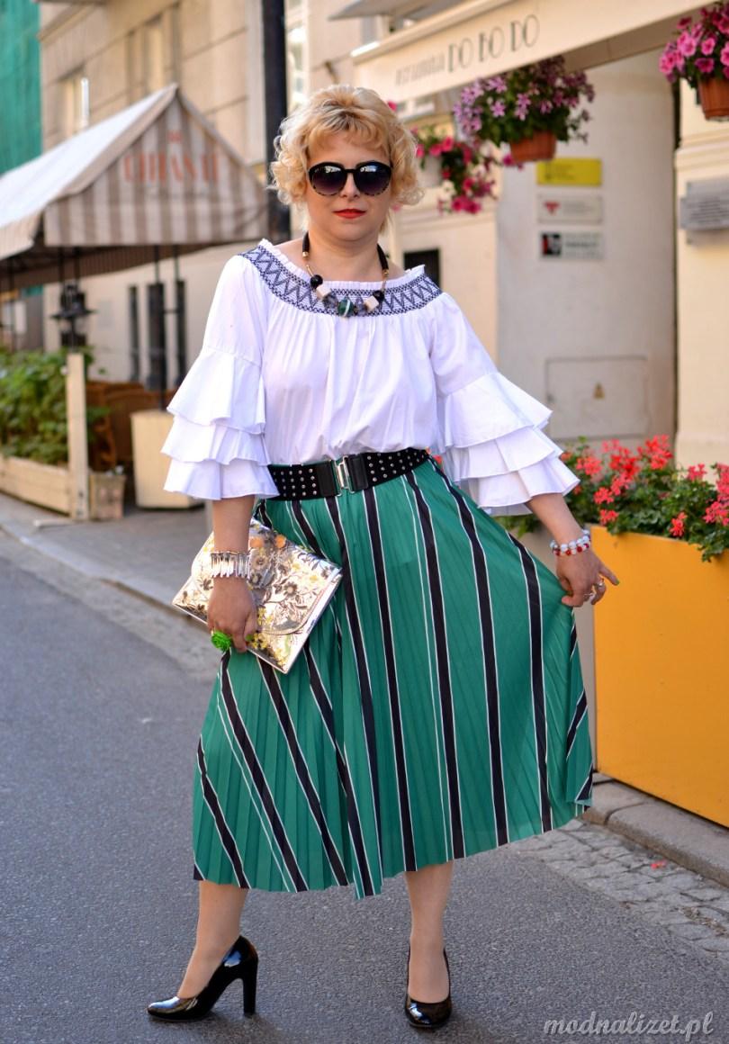 Modna biała bluzka modna lizet