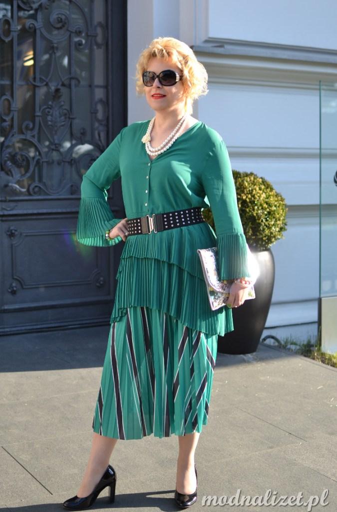 Modna zielona spódnica