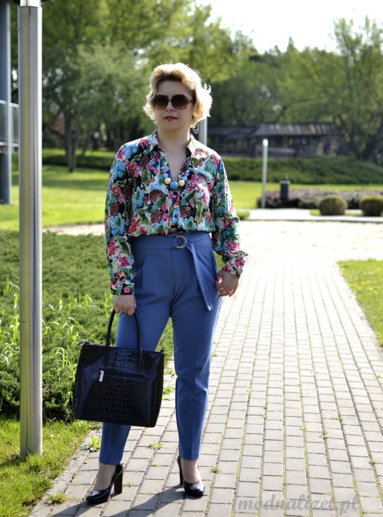 Koszula i spodnie niebieskie
