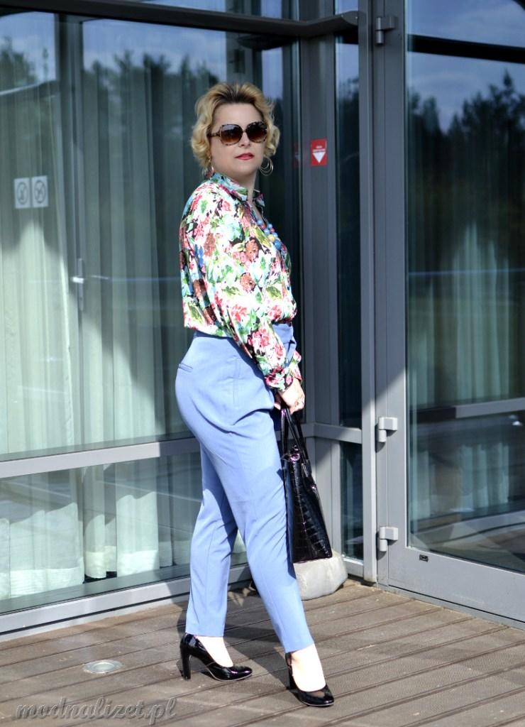Elegancka stylizacja koszula i spodnie