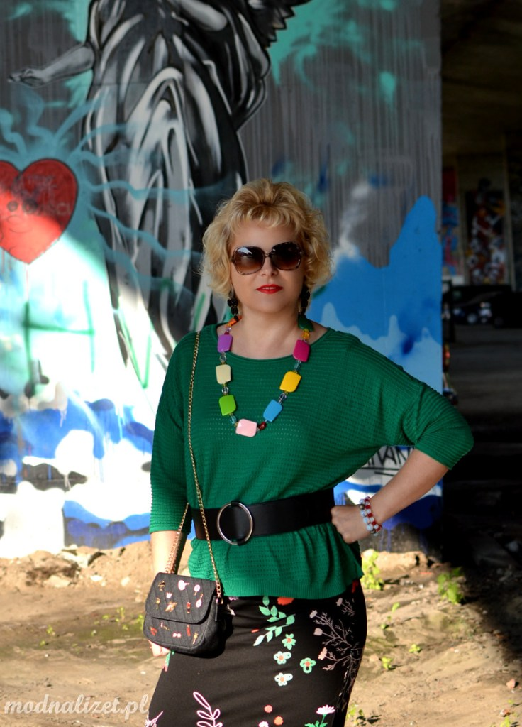 Moda na tle murali