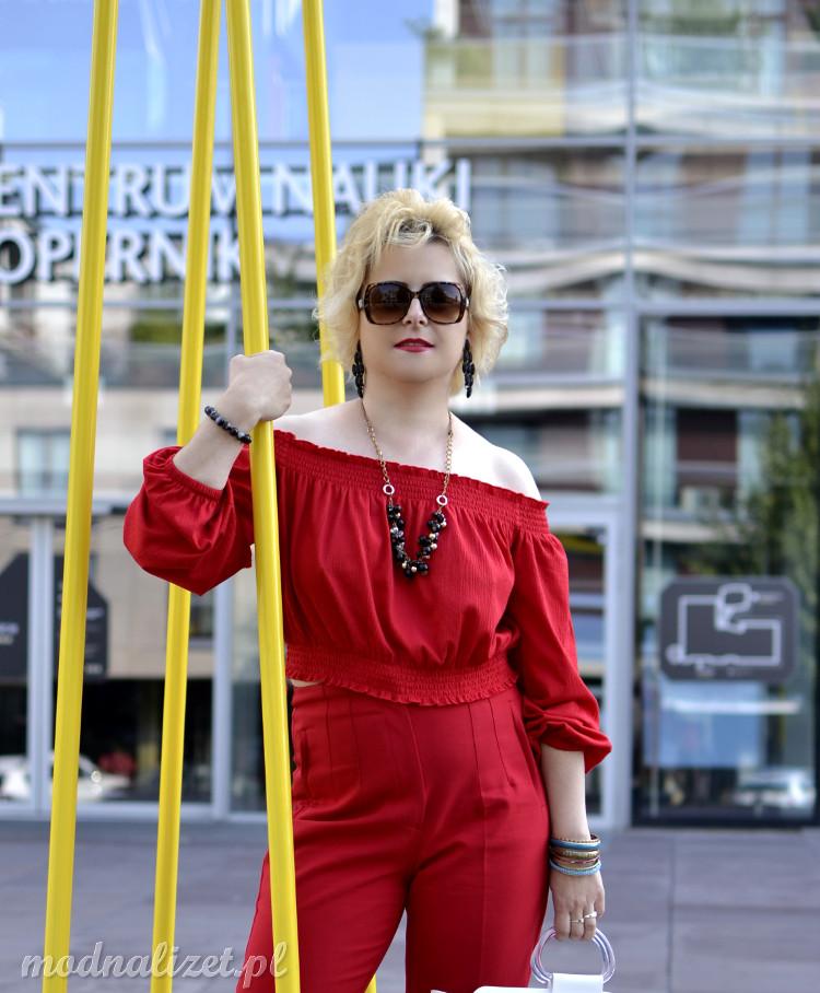 Klasyczna czerwień w modzie