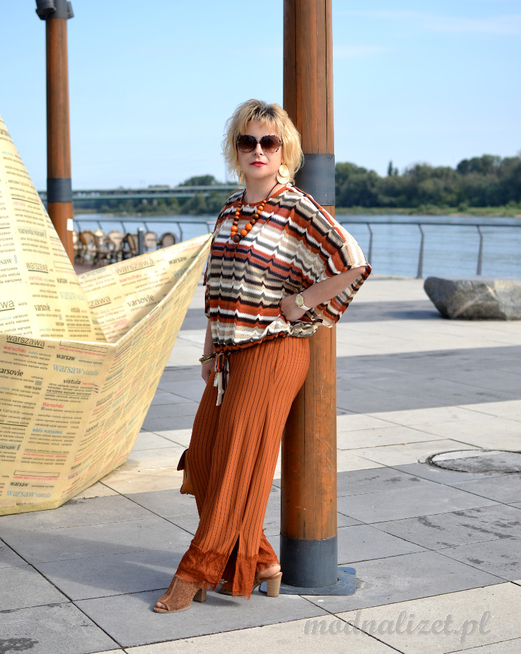 Spodnie i bluzka na jesień