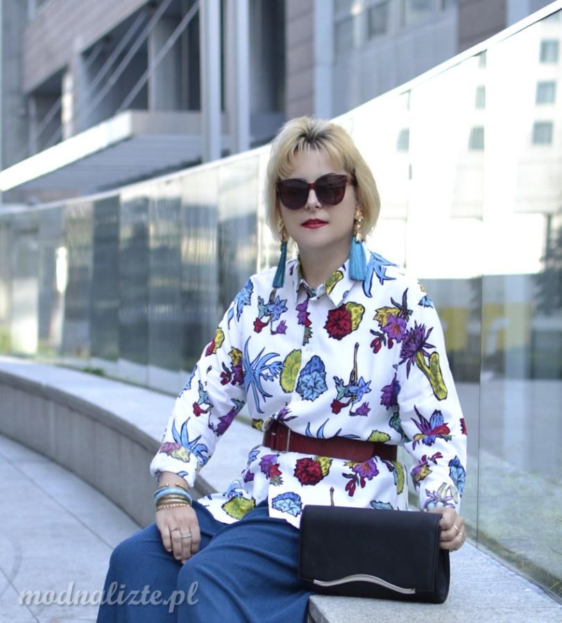 Spodnie i koszula w kwiaty