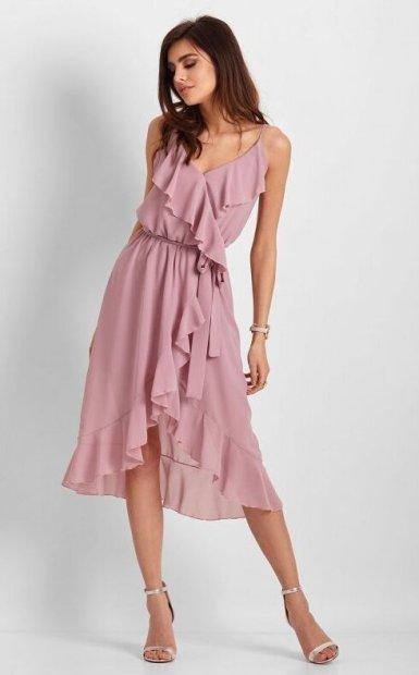 lahka-obleka-roza-zadaj-daljša