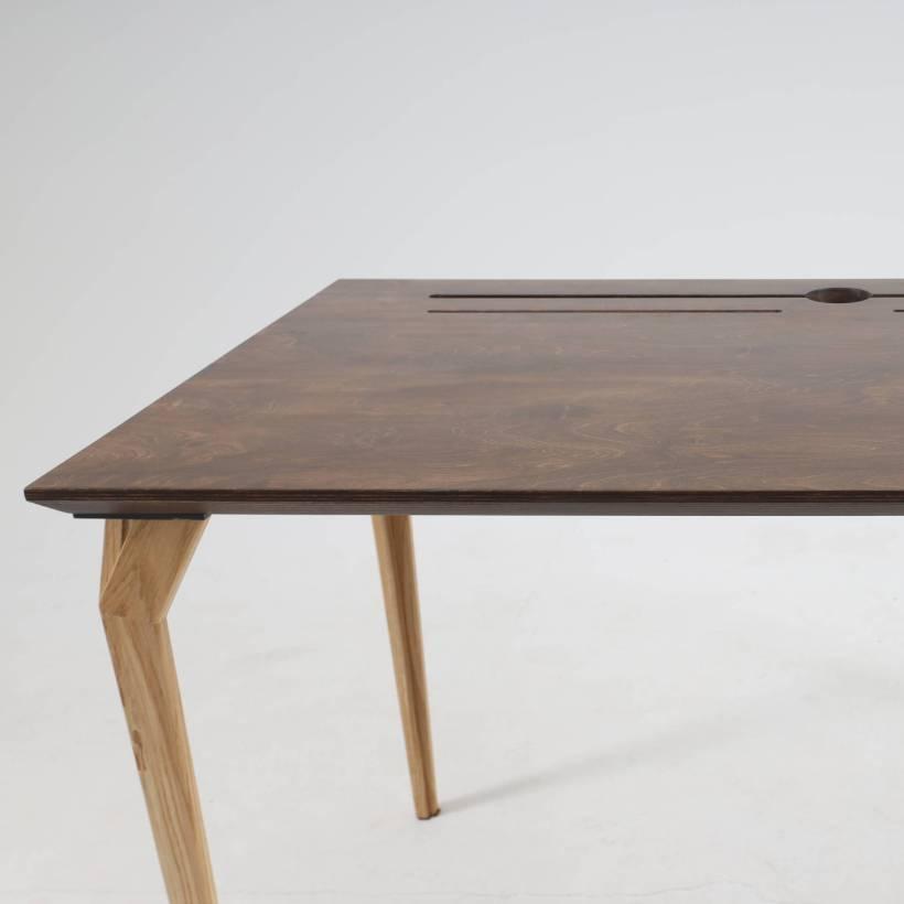 Conform Desk - jednostavnost i profinjenost dizajna radnoga stola