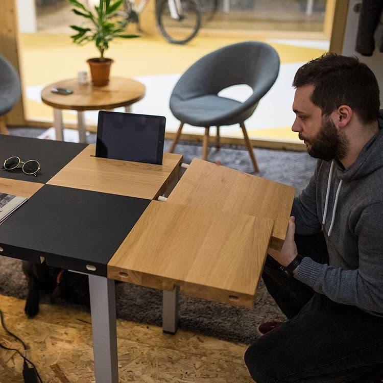 Modulos Modular radni stol ti daje mogućnost da sam kreiraš svoju radnu površinu.