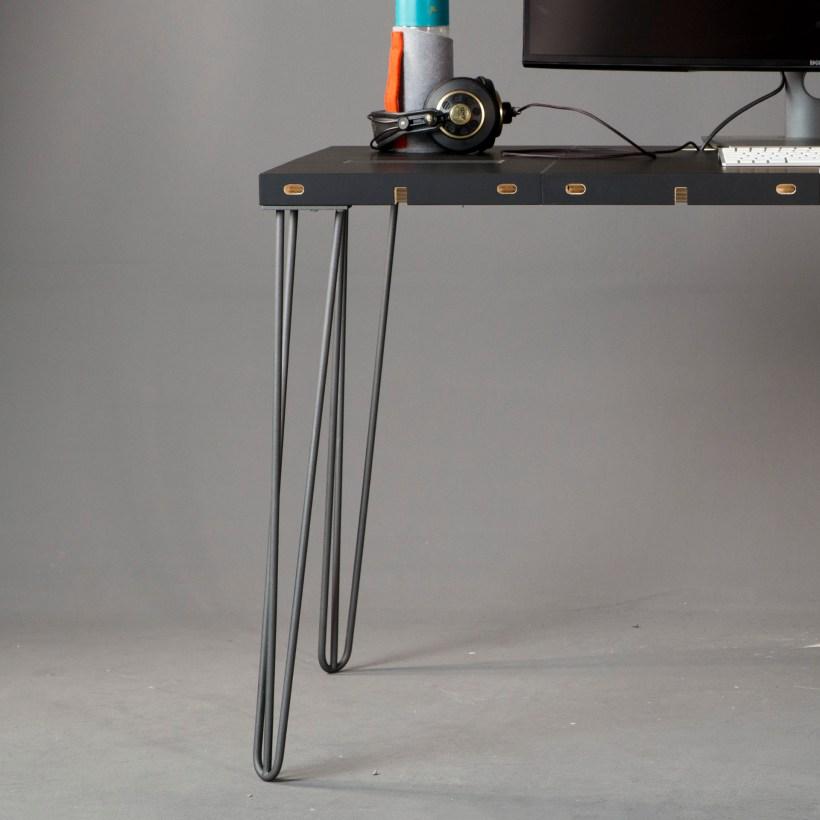 Modulos Hairpin metalna noga za stol, Modular by Modulos radni stol, prikaz u prostoru