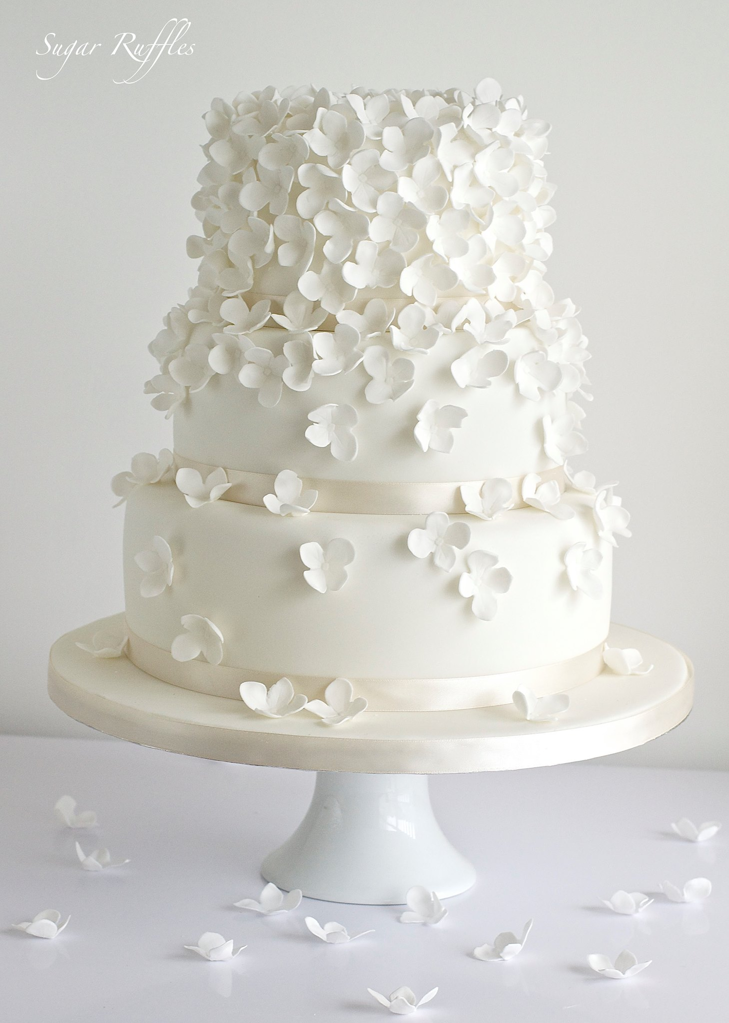 Delicate Wedding Cakes