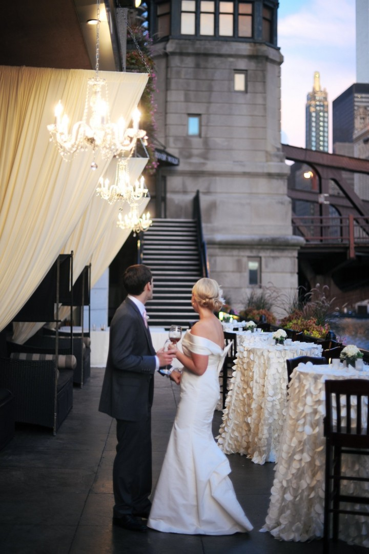 Shimmering Chicago Wedding At River Roast Chicago MODwedding