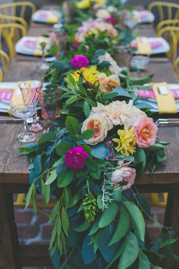 fresh floral table runners make perfect wedding centerpieces